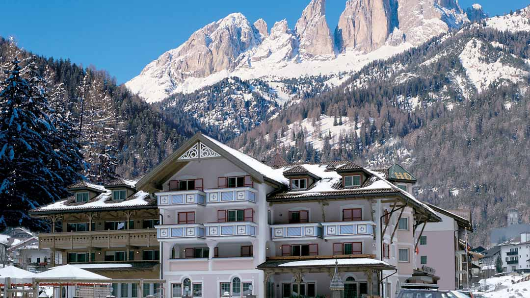 crystal ski special offer italy ski deal campitello