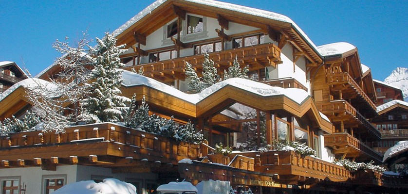 Ski Hotel Freienart saas fee special offer